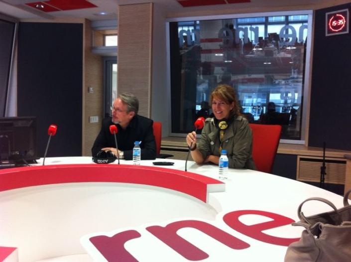 Craig Russell-Spanish Radio
